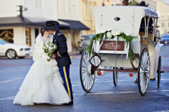 DT-Street-Kiss-Carriage